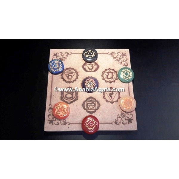 CHAKRA ITCHED 7 HOLE WOODEN BOX WITH ENGRAVED CHAKRA DISC SET